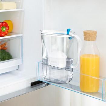 Mise en situation carafe Style dans le réfrigérateur